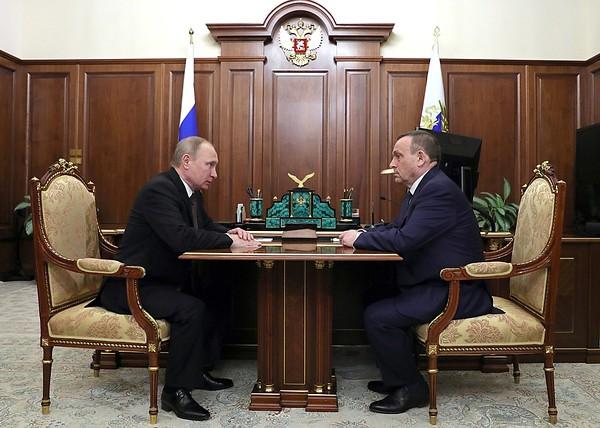 Путин с Евстифеевым